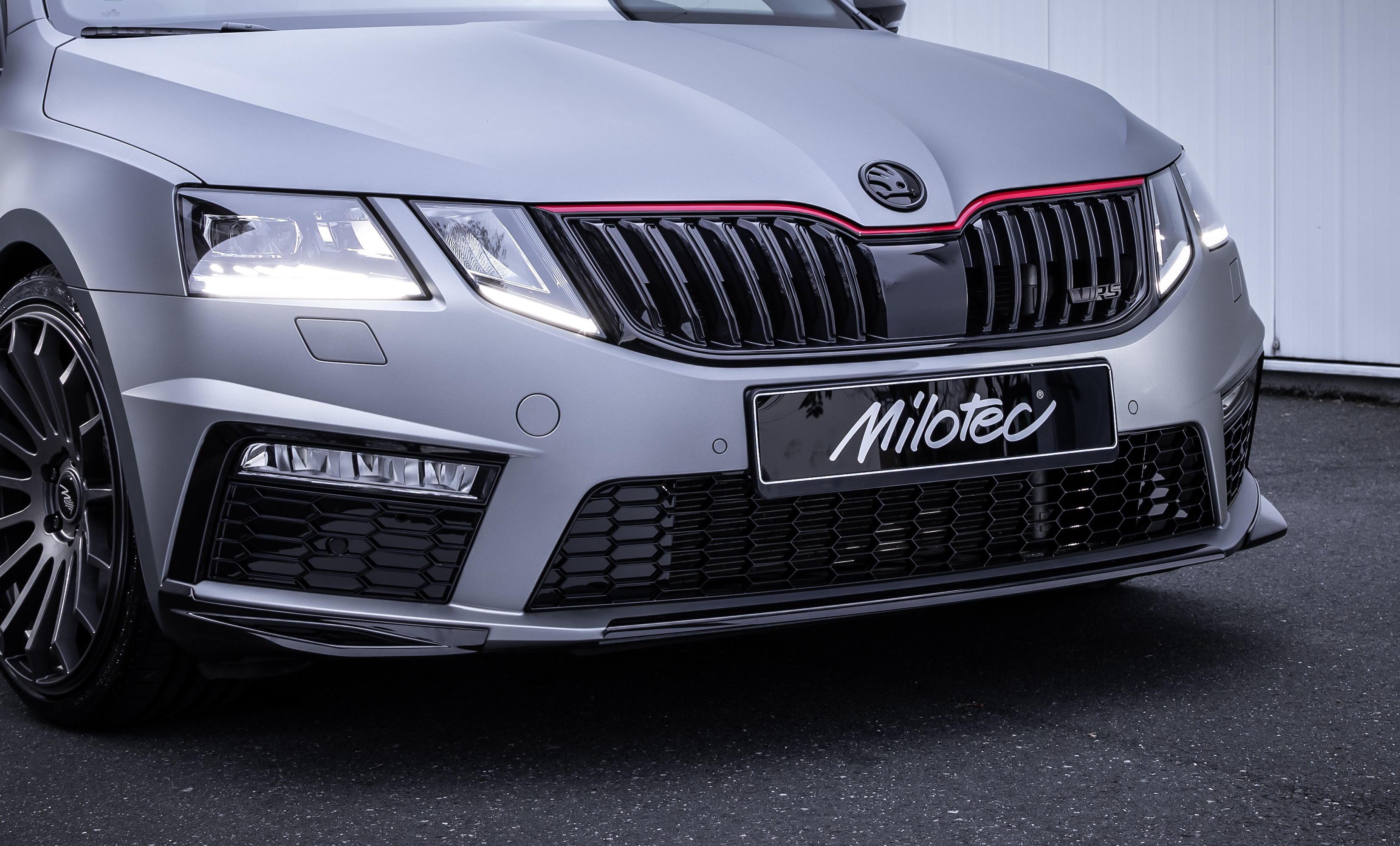 Milotec Front Spoiler Lip And Edges Facelift Milotec Auto Extras Gmbh Skoda Tuning Und Zubehor