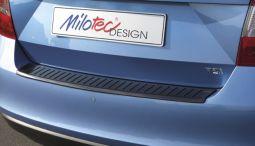 Milotec - Ladekantenschutz, passend für Rapid Lim. - ABS schwarz-Klavierlack