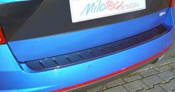 Milotec - Ladekantenschutz passend für Octavia III RS Combi, nicht über Kante, ABS schwarz Klavierlack
